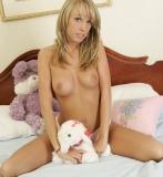 topless-teen-008