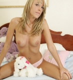 topless-teen-009